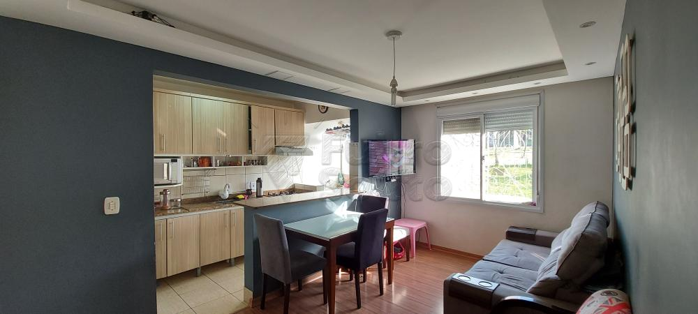 Comprar Apartamento / Padrão em Pelotas R$ 200.000,00 - Foto 2