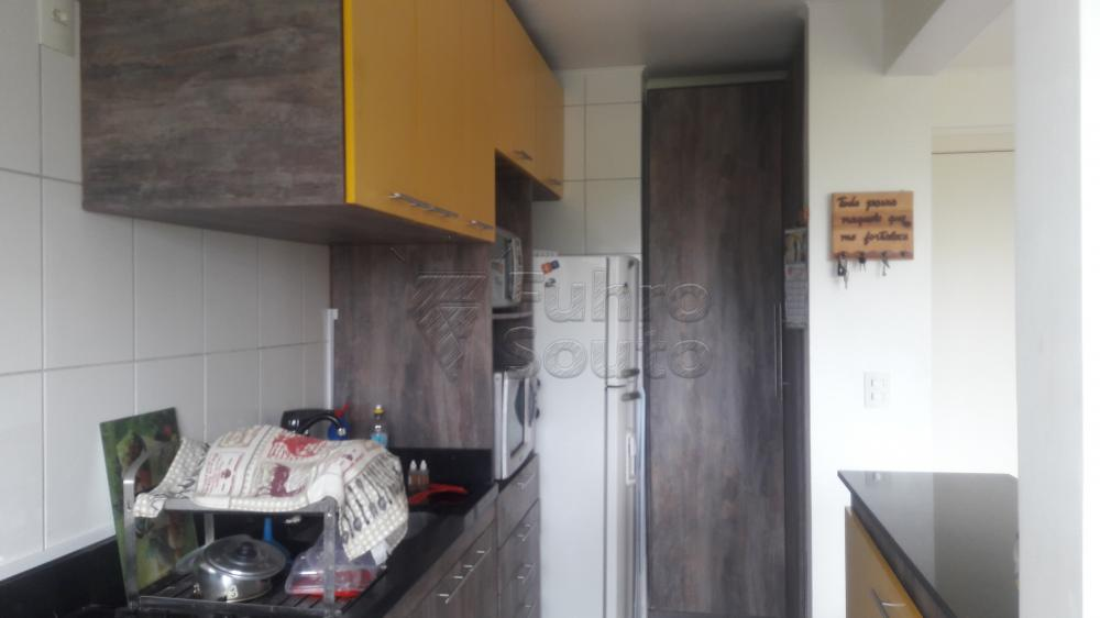 Comprar Apartamento / Padrão em Pelotas R$ 266.000,00 - Foto 4