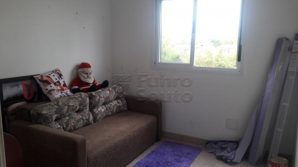 Comprar Apartamento / Padrão em Pelotas R$ 266.000,00 - Foto 6