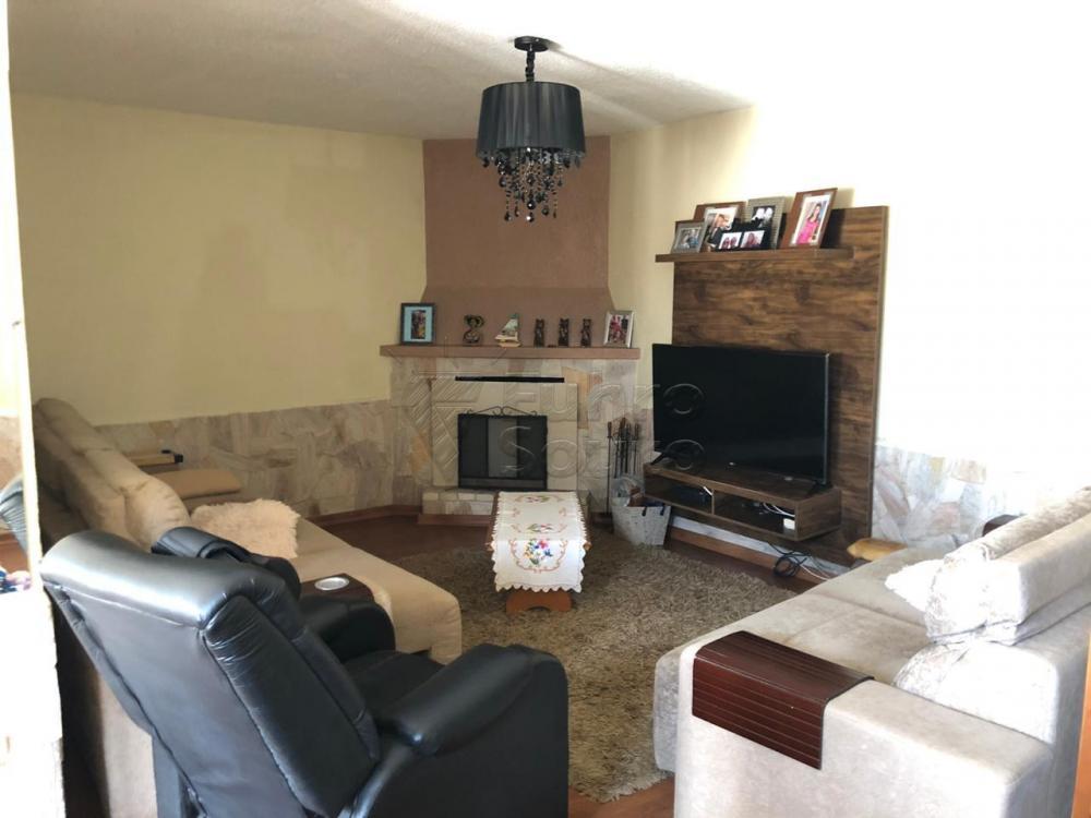 Comprar Casa / Padrão em Pelotas R$ 670.000,00 - Foto 1
