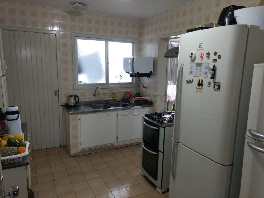Comprar Apartamento / Padrão em Pelotas R$ 690.000,00 - Foto 11