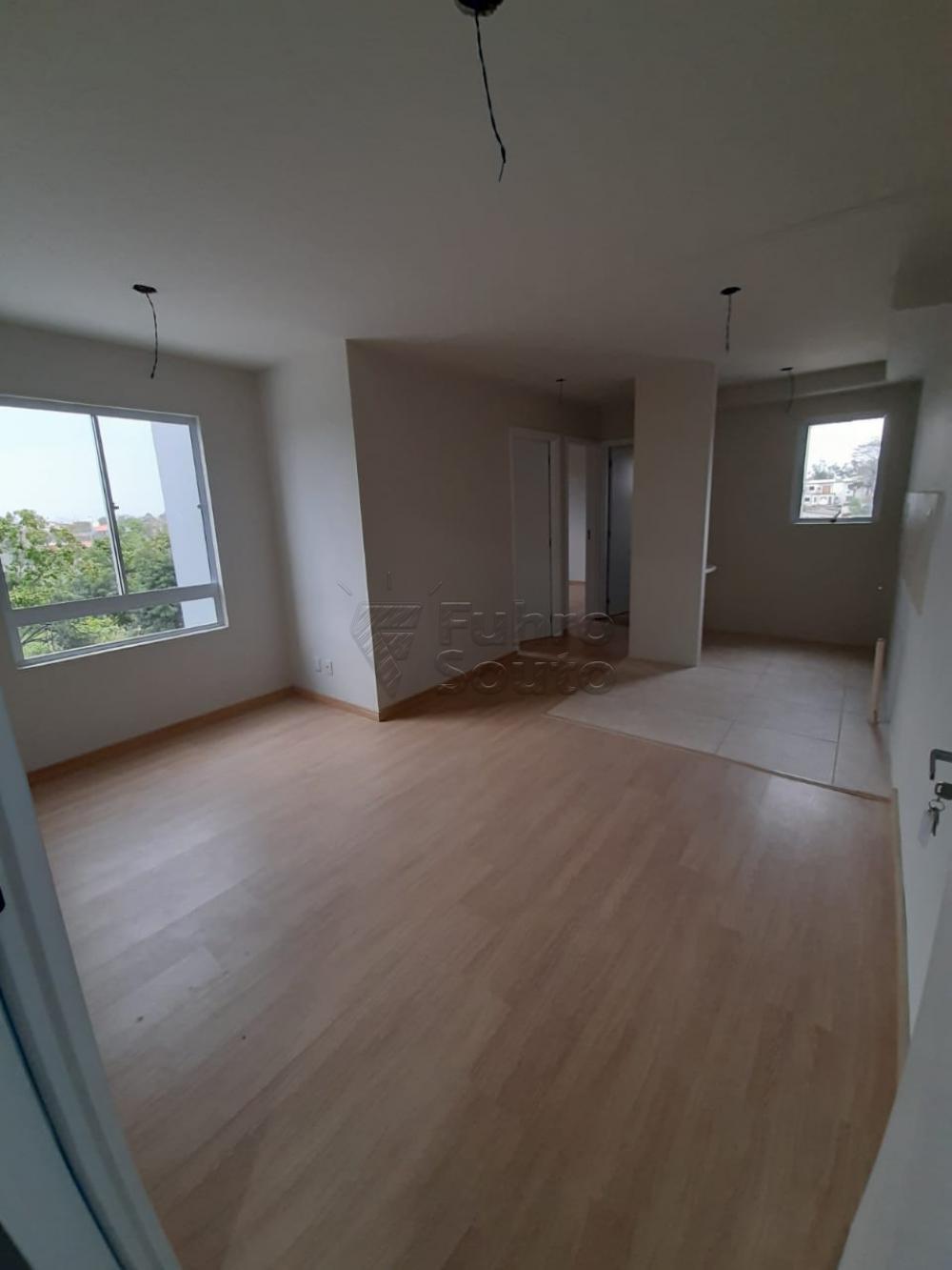 Comprar Apartamento / Padrão em Pelotas R$ 148.000,00 - Foto 1
