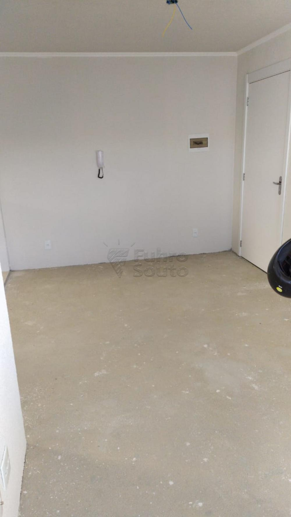 Comprar Apartamento / Padrão em Pelotas R$ 120.000,00 - Foto 2