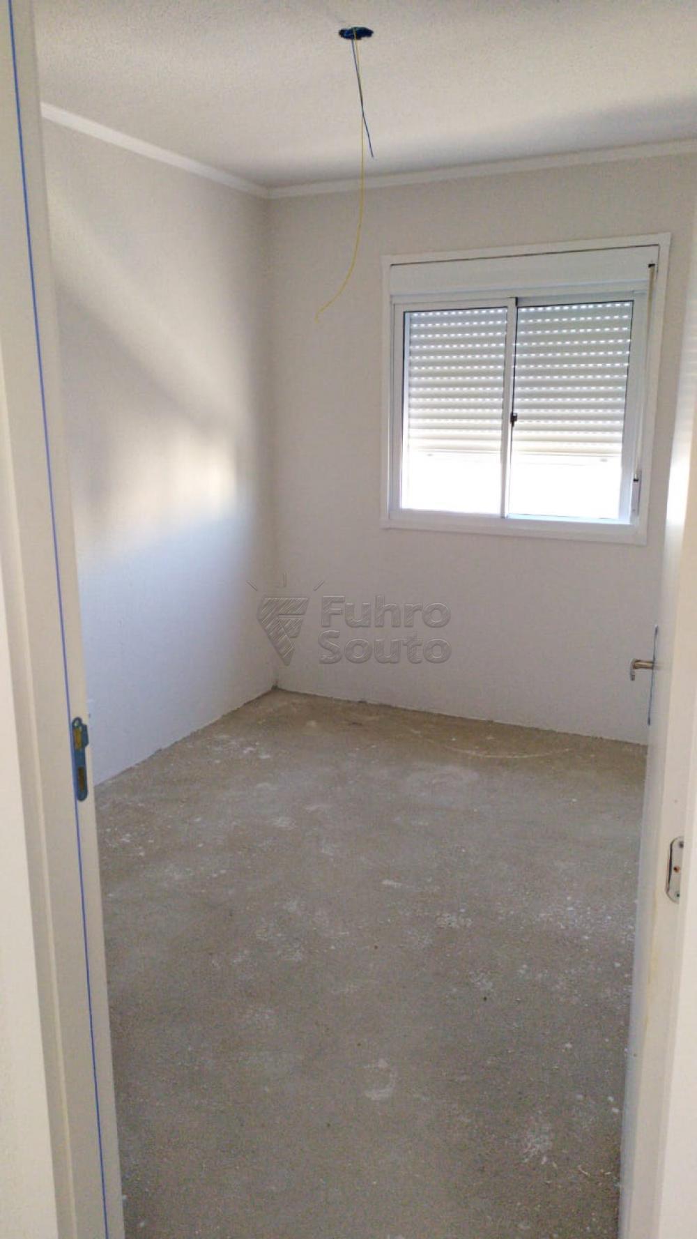 Comprar Apartamento / Padrão em Pelotas R$ 120.000,00 - Foto 5