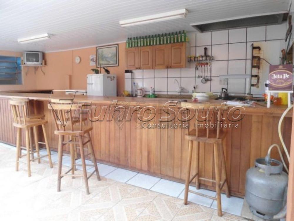 Comprar Casa / Padrão em Pelotas R$ 450.000,00 - Foto 3