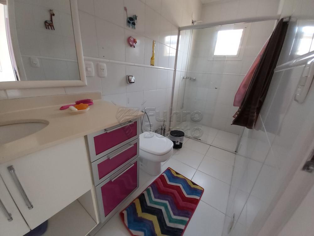 Comprar Casa / Condomínio em Pelotas R$ 680.000,00 - Foto 10