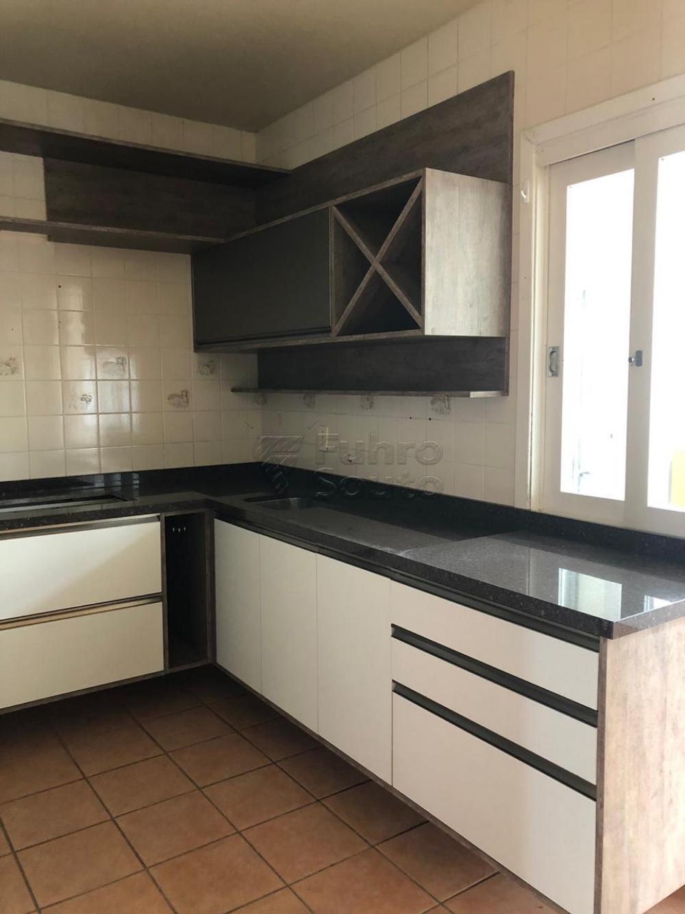 Comprar Apartamento / Padrão em Pelotas R$ 280.000,00 - Foto 7