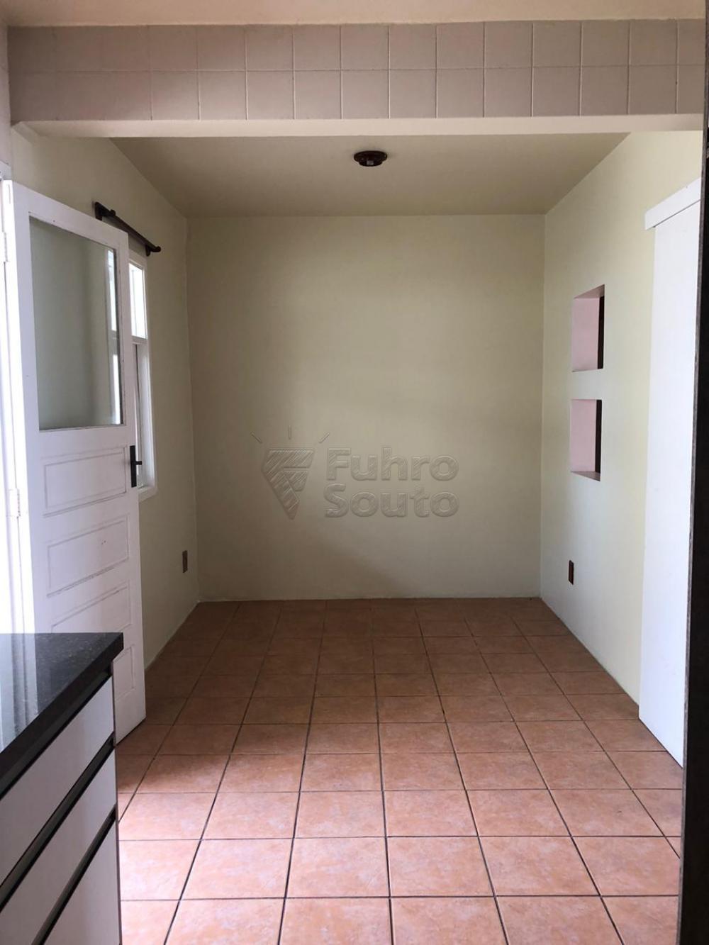 Comprar Apartamento / Padrão em Pelotas R$ 280.000,00 - Foto 11