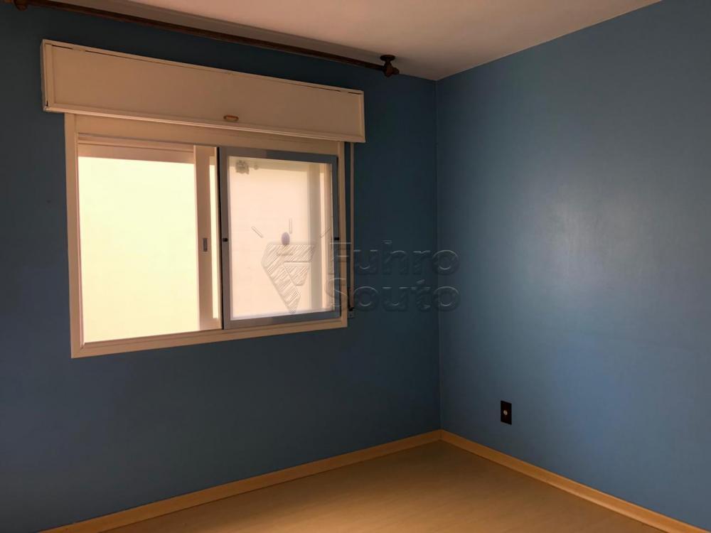 Comprar Apartamento / Padrão em Pelotas R$ 280.000,00 - Foto 5