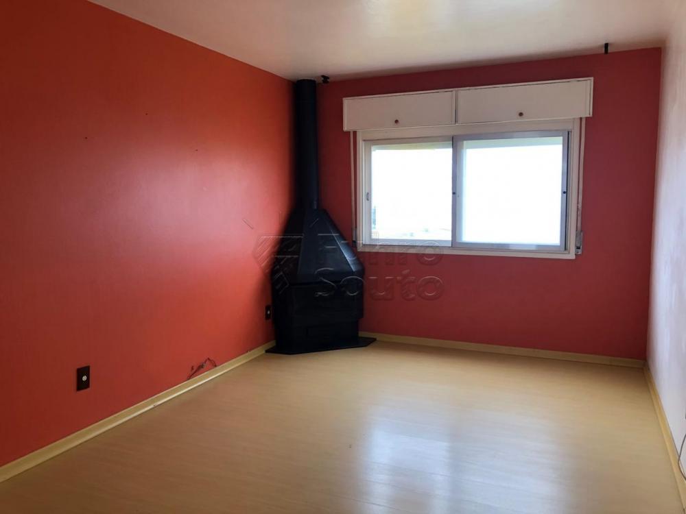 Comprar Apartamento / Padrão em Pelotas R$ 280.000,00 - Foto 3