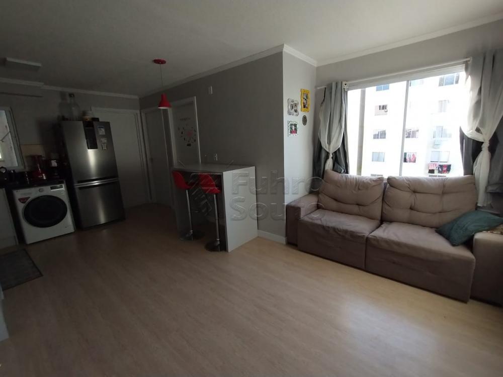 Comprar Apartamento / Padrão em Pelotas R$ 140.000,00 - Foto 3