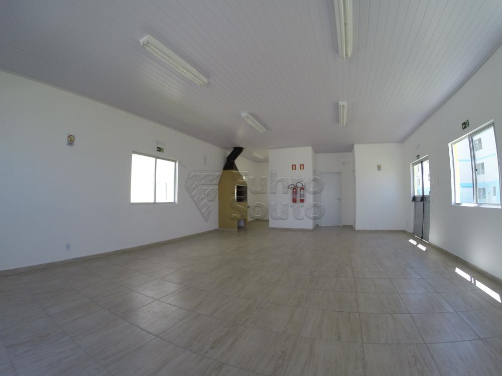 Comprar Apartamento / Padrão em Pelotas R$ 140.000,00 - Foto 4
