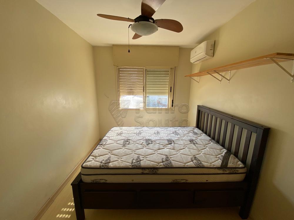 Comprar Apartamento / Padrão em Pelotas R$ 193.000,00 - Foto 2
