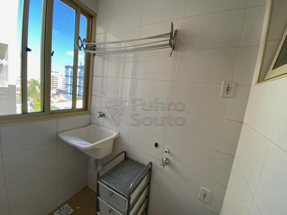 Comprar Apartamento / Padrão em Pelotas R$ 193.000,00 - Foto 5