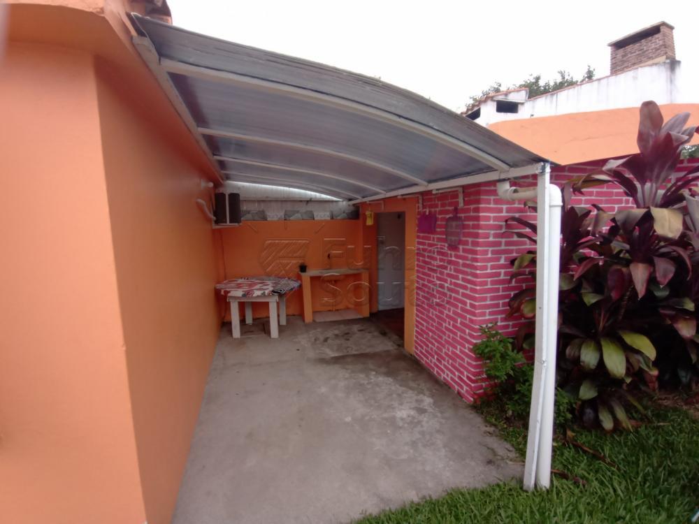 Comprar Casa / Padrão em Pelotas R$ 350.000,00 - Foto 8