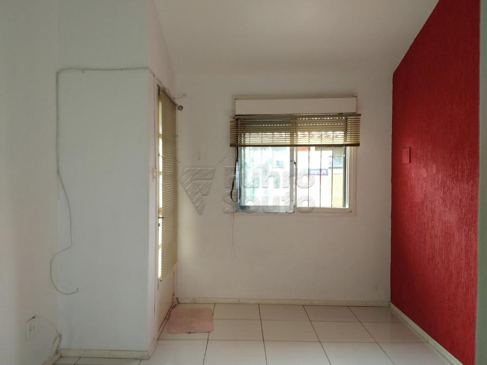 Apartamento padrão localizado no bairro São Gonçalo.