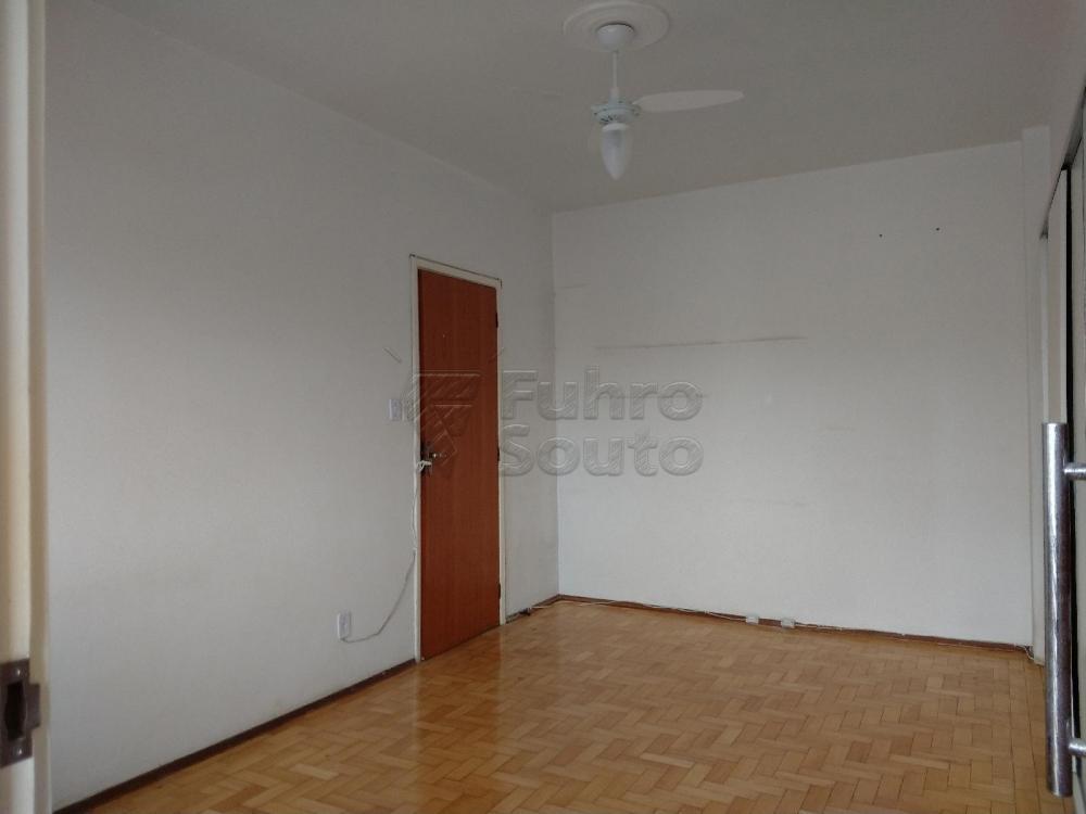 Apartamento padrão localizado no centro da cidade.