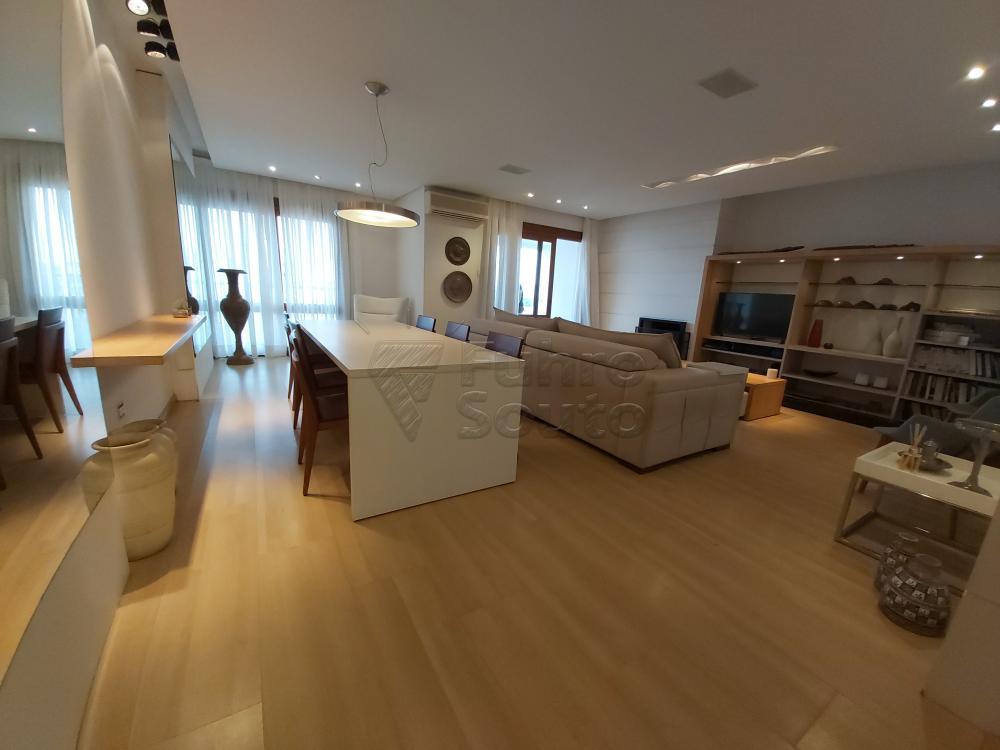 Comprar Apartamento / Cobertura em Pelotas R$ 1.600.000,00 - Foto 2