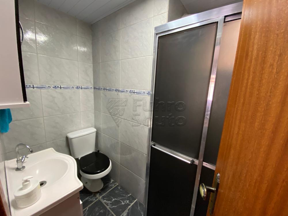 Comprar Apartamento / Fora de Condomínio em Pelotas R$ 180.000,00 - Foto 5