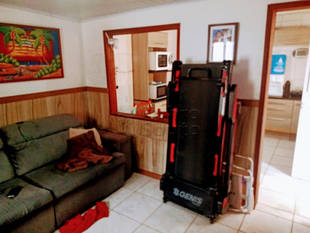 Comprar Casa / Padrão em Pelotas R$ 170.000,00 - Foto 1