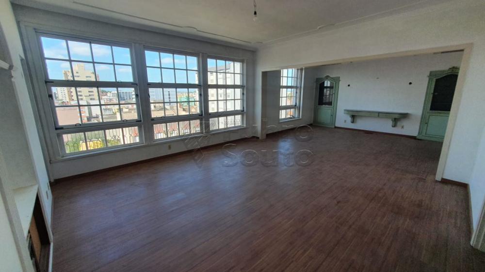 Comprar Apartamento / Padrão em Pelotas R$ 420.000,00 - Foto 2