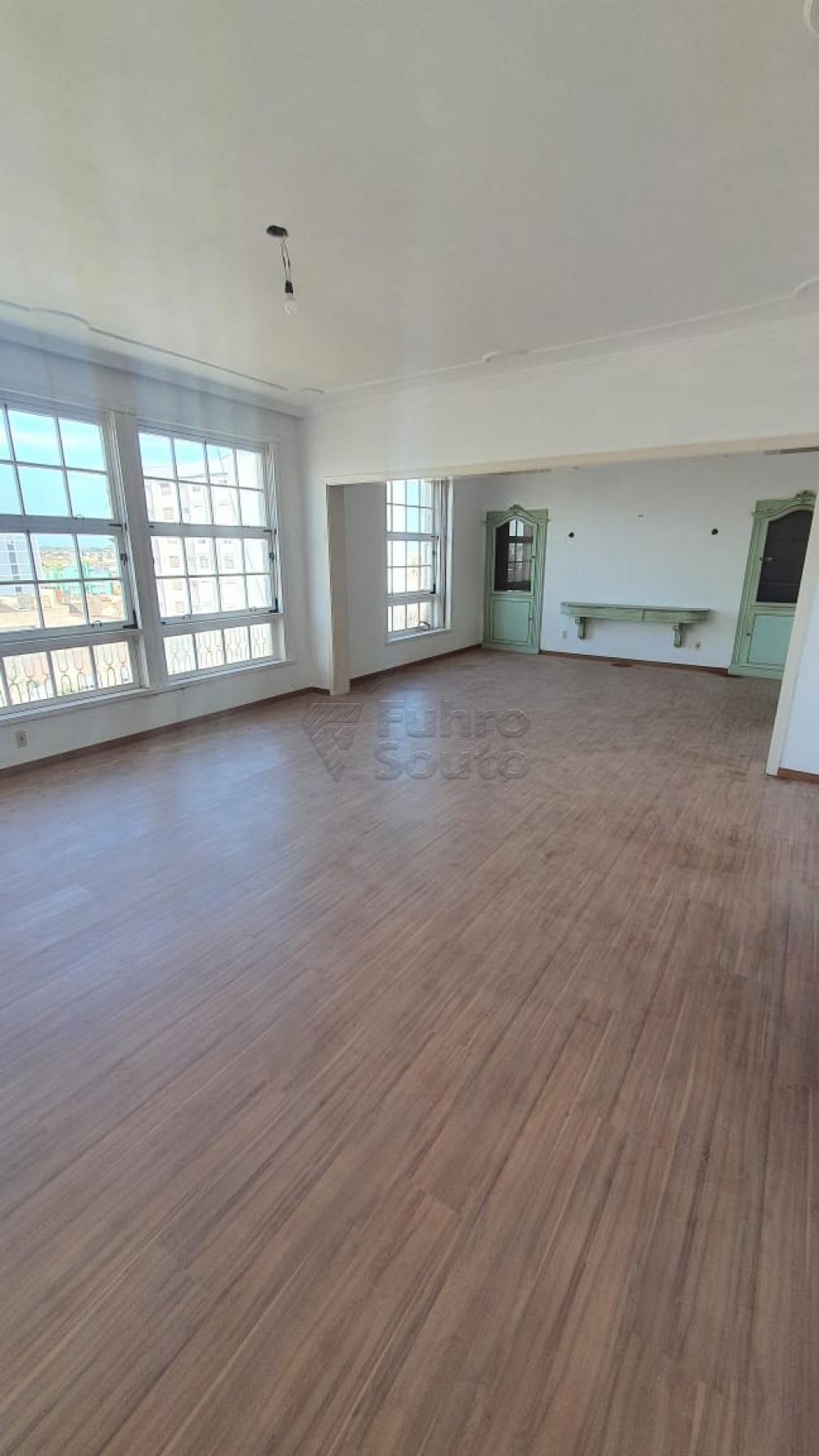 Comprar Apartamento / Padrão em Pelotas R$ 420.000,00 - Foto 8