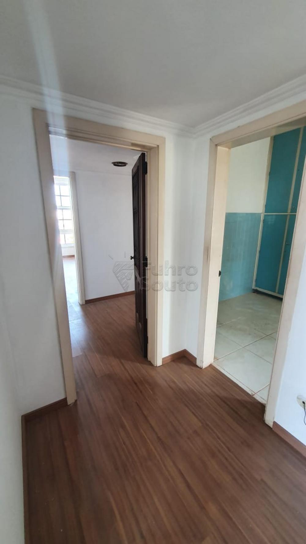 Comprar Apartamento / Padrão em Pelotas R$ 420.000,00 - Foto 10