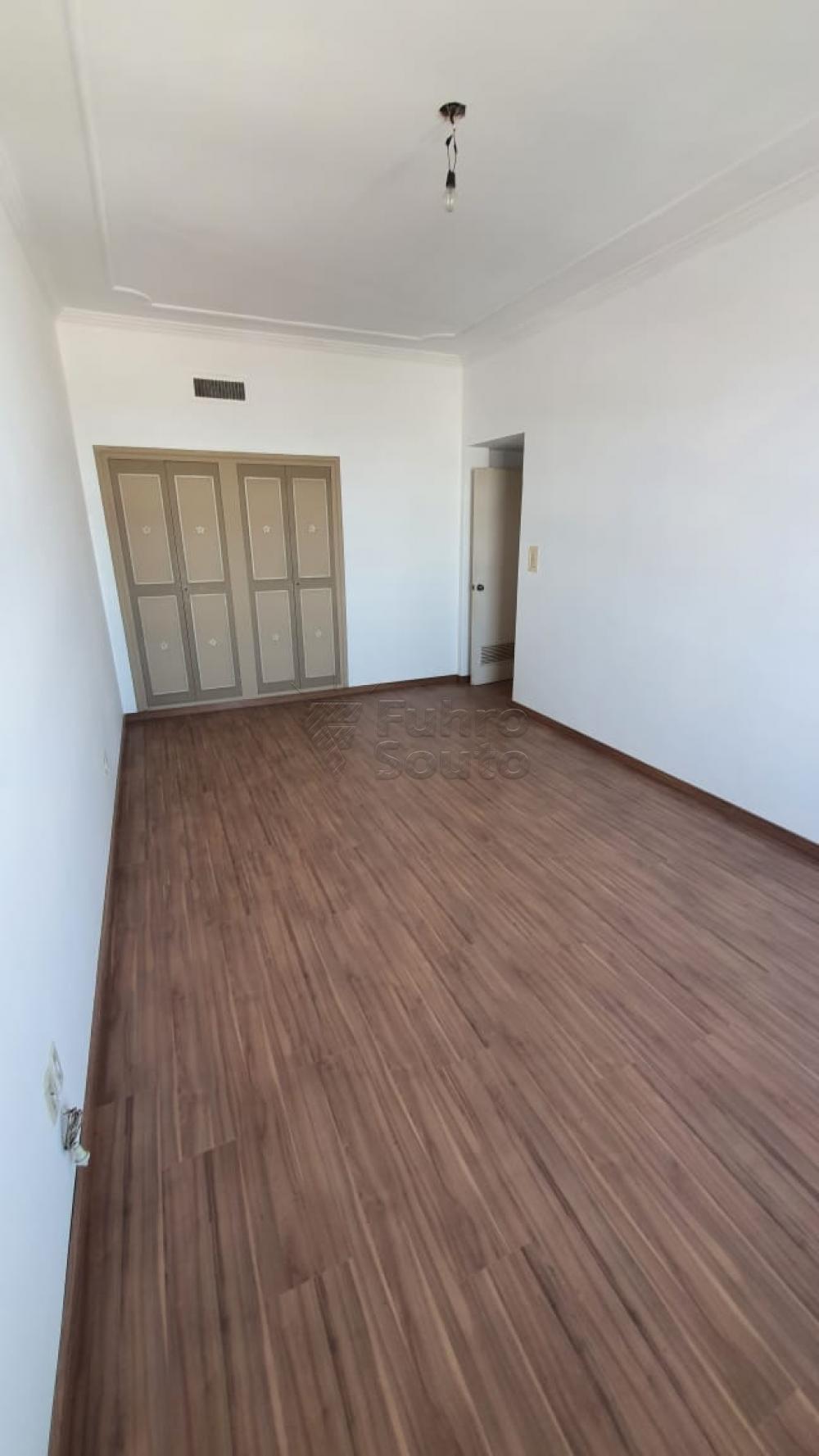 Comprar Apartamento / Padrão em Pelotas R$ 420.000,00 - Foto 15