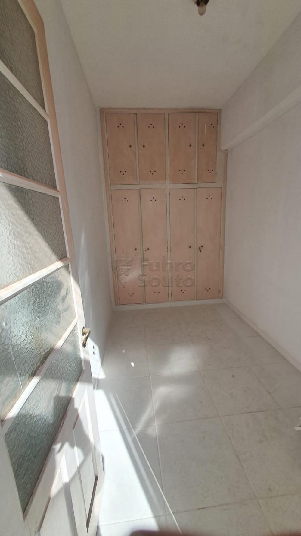 Comprar Apartamento / Padrão em Pelotas R$ 420.000,00 - Foto 20