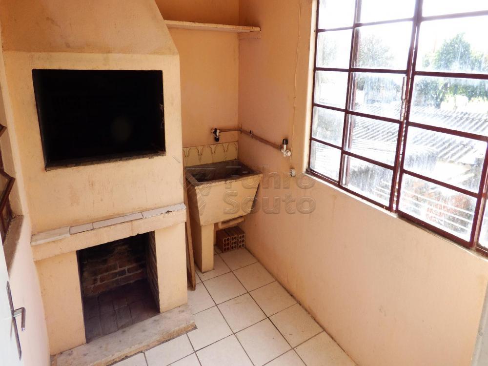 Alugar Casa / Padrão em Pelotas R$ 900,00 - Foto 10