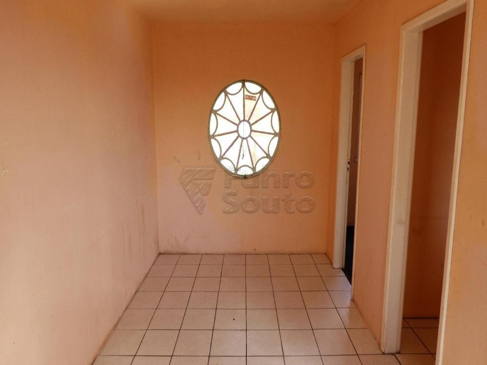 Alugar Casa / Padrão em Pelotas R$ 900,00 - Foto 8