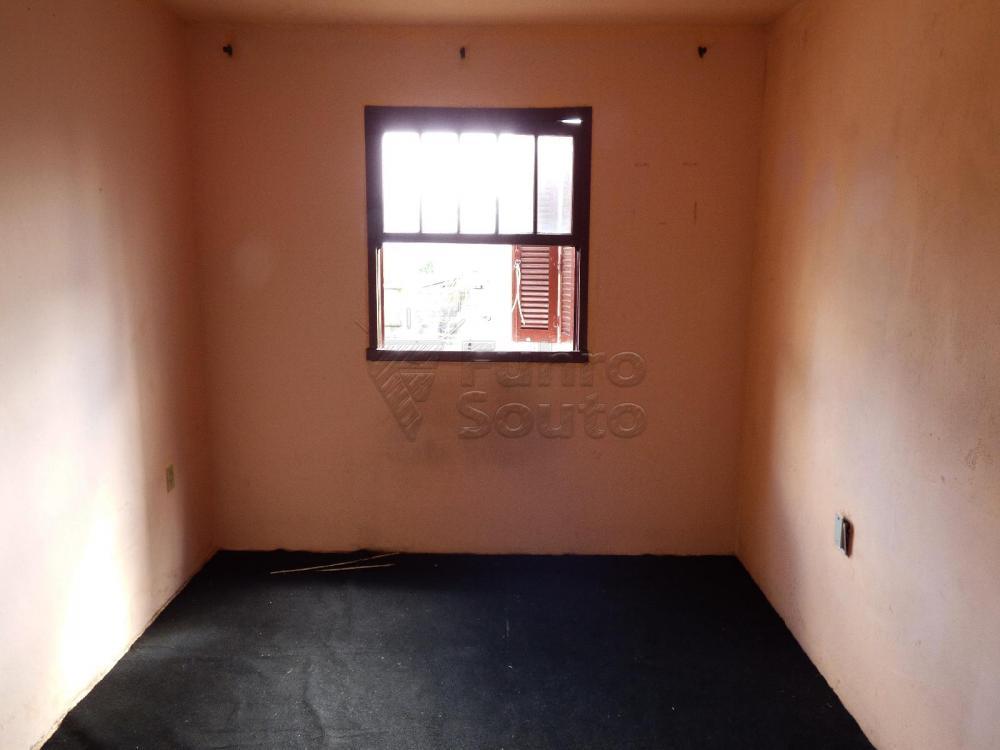 Alugar Casa / Padrão em Pelotas R$ 900,00 - Foto 6