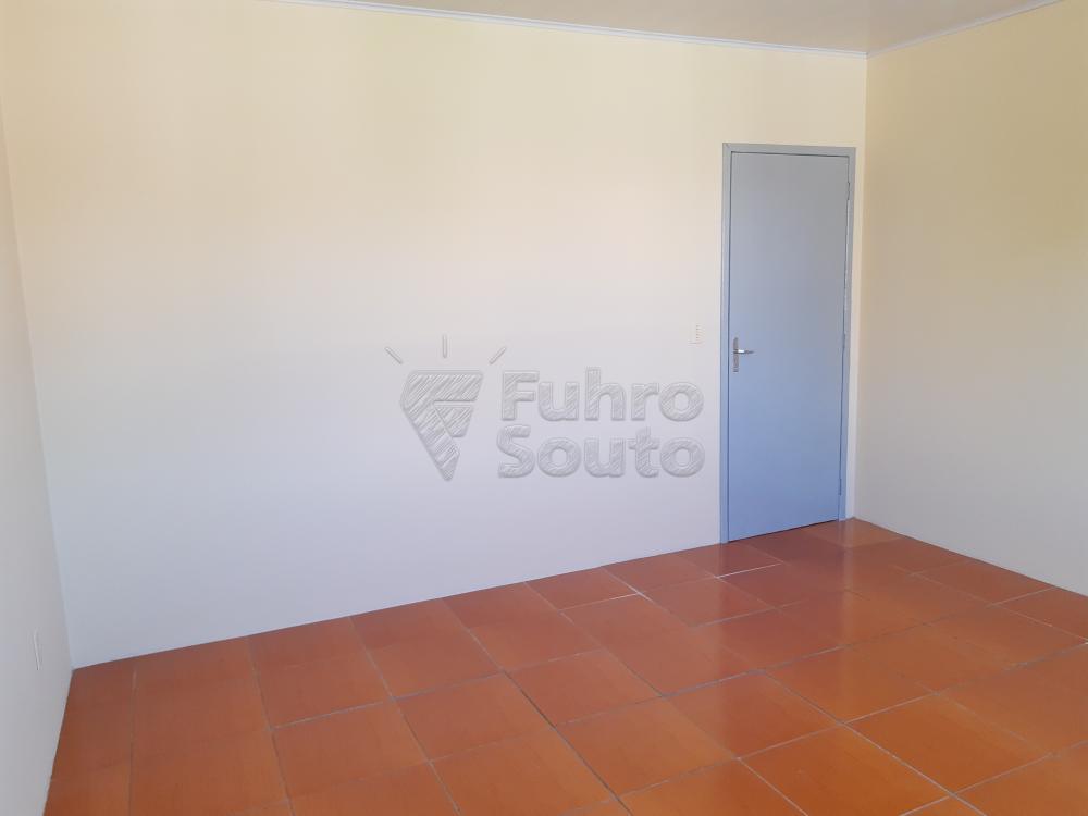Alugar Apartamento / Fora de Condomínio em Pelotas R$ 700,00 - Foto 6