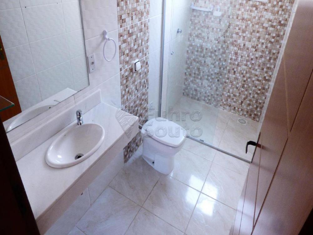 Alugar Casa / Padrão em Pelotas R$ 3.000,00 - Foto 11