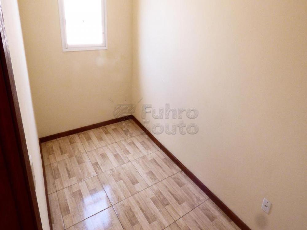 Alugar Casa / Padrão em Pelotas R$ 3.000,00 - Foto 5