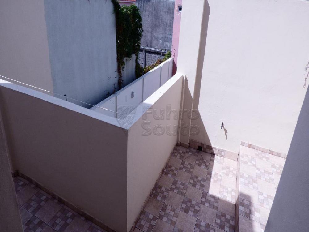 Alugar Casa / Padrão em Pelotas R$ 3.000,00 - Foto 2
