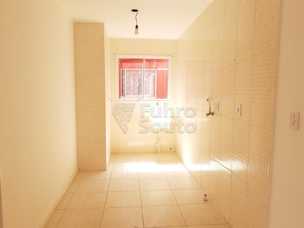 Alugar Apartamento / Padrão em Pelotas R$ 550,00 - Foto 4