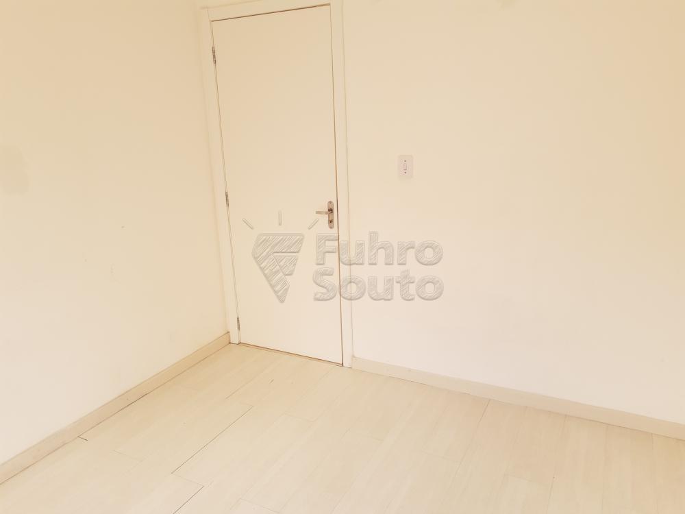 Alugar Apartamento / Padrão em Pelotas R$ 550,00 - Foto 6