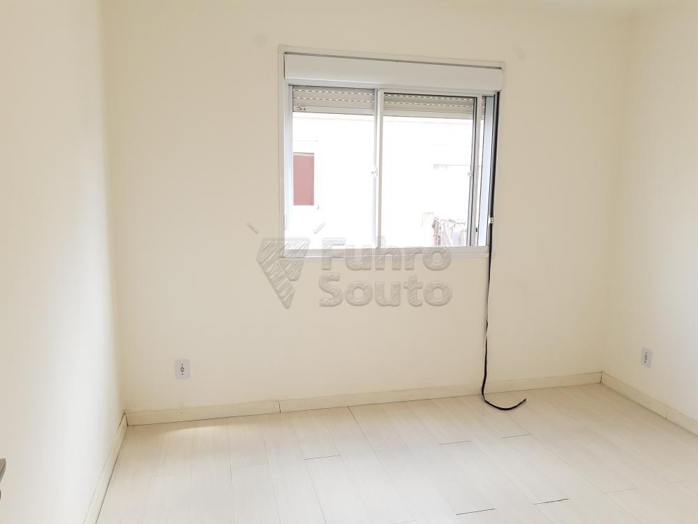 Alugar Apartamento / Padrão em Pelotas R$ 550,00 - Foto 9