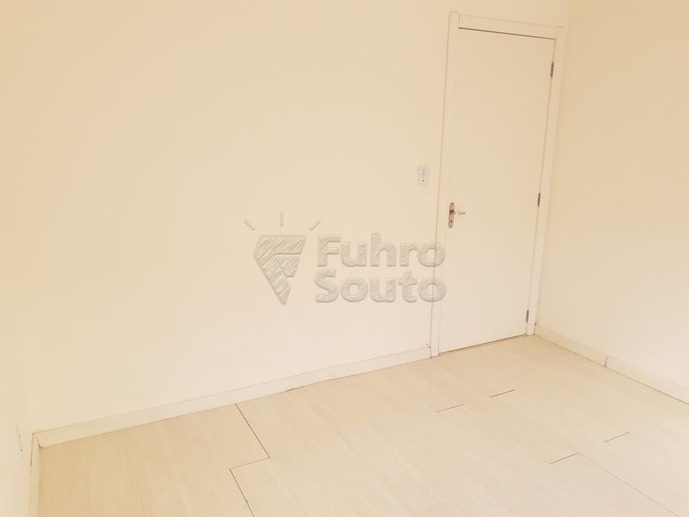 Alugar Apartamento / Padrão em Pelotas R$ 550,00 - Foto 11