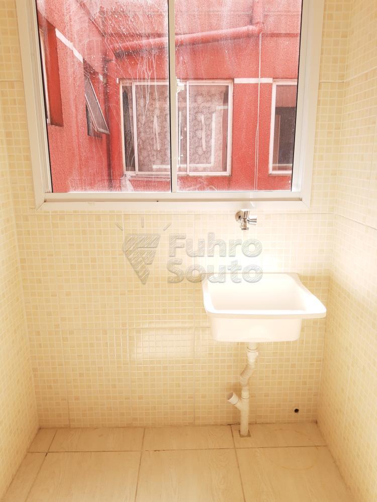 Alugar Apartamento / Padrão em Pelotas R$ 550,00 - Foto 13