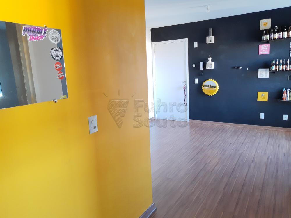 Alugar Apartamento / Padrão em Pelotas R$ 900,00 - Foto 9