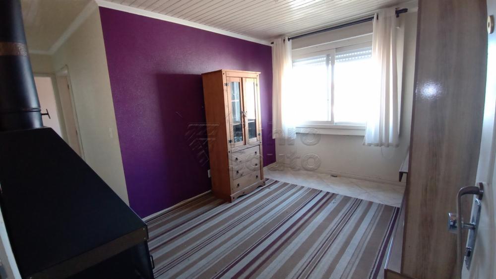 Comprar Apartamento / Padrão em Pelotas R$ 169.600,00 - Foto 4