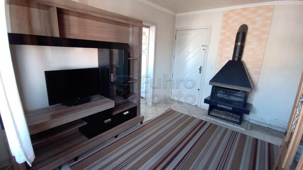 Comprar Apartamento / Padrão em Pelotas R$ 169.600,00 - Foto 3