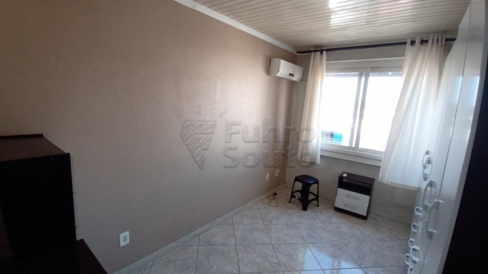 Comprar Apartamento / Padrão em Pelotas R$ 169.600,00 - Foto 8