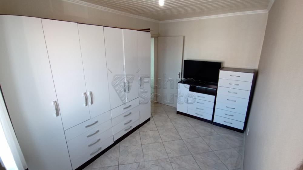Comprar Apartamento / Padrão em Pelotas R$ 169.600,00 - Foto 9