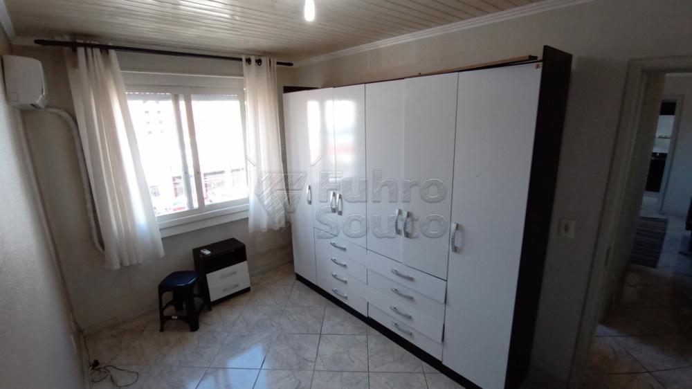 Comprar Apartamento / Padrão em Pelotas R$ 169.600,00 - Foto 10