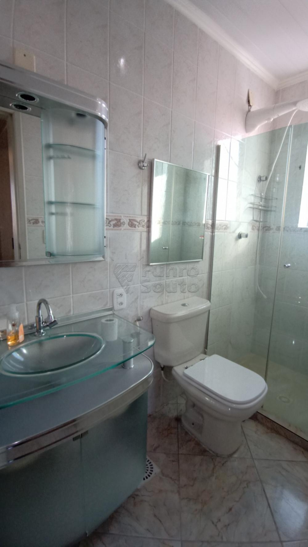 Comprar Apartamento / Padrão em Pelotas R$ 169.600,00 - Foto 11