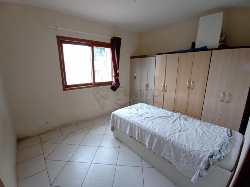 Comprar Casa / Padrão em Pelotas R$ 350.000,00 - Foto 5