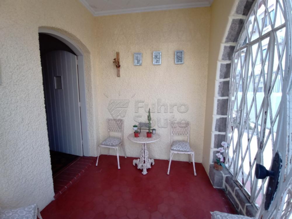 Comprar Casa / Padrão em Pelotas R$ 1.590.000,00 - Foto 1